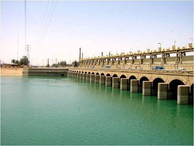 Ramadi-Barrage-Dam-Upstream_USACE_NWD-2003